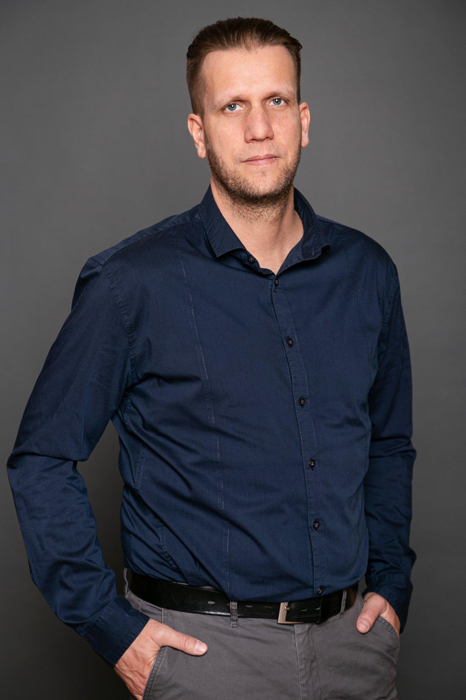 Olajos László, ügyvezető, vezető tervező